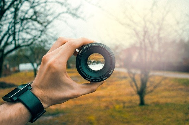 הצלם המתחיל: איך בוחרים ציוד לצילום בפעם הראשונה?