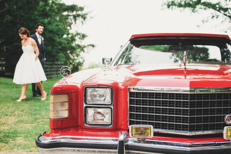 להתחתן בסטייל: איך בוחרים את הרכב המושלם לצילומים ולאירוע