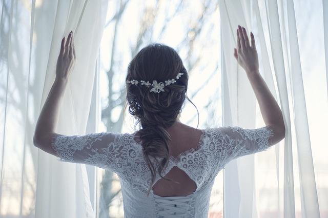 צילומי התארגנות לחתונה: 5 פריטים שיוסיפו טאצ' חגיגי לצילומים שלכם